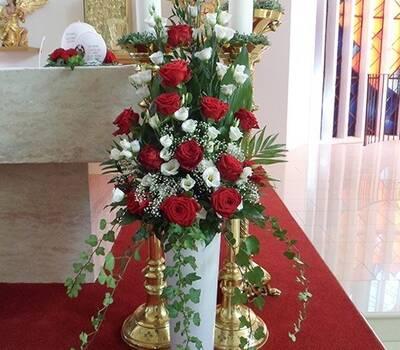 Beispiel: Kirchenschmuck, Foto: Blumen Katja Lang.