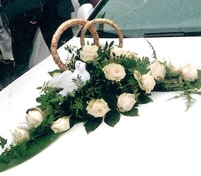 Beispiel: Autoschmuck, Foto: Inges Blumenshop.