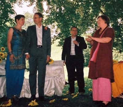 Beispiel: Freie Theologin mit Brautpaar, Foto: Uta Ungerer.