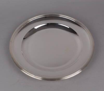 Plat rond en métal argenté Ercuis