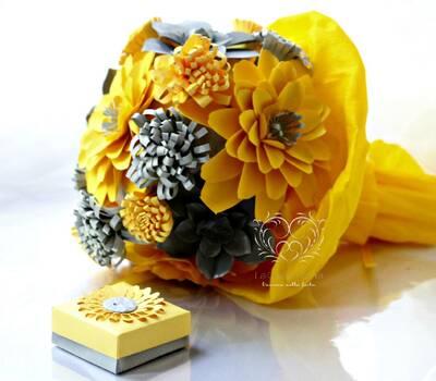 LaCasadiTania: Bouquet vitaminico,giallo e grigio con fiori e succulente. Bomboniera a tema