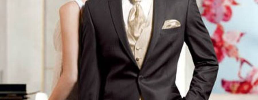 Beispiel: Hochzeitsanzug, Foto: Adamski Herrenbekleidung.