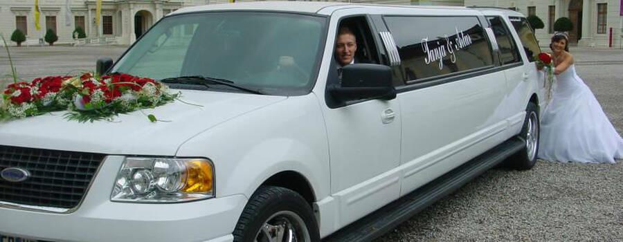 Beispiel: Die Limousine für Ihren großen Tag, Foto: FUN-LIMOS Limousinenservice & Chauffeurdienst.