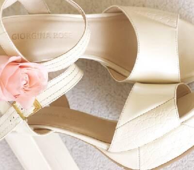 Modelo Angelina, ideal para novias que quieren estar cómodas y altas.  Taco 9 y plataforma 3 cm.  100% cuero by Giorgina Rose