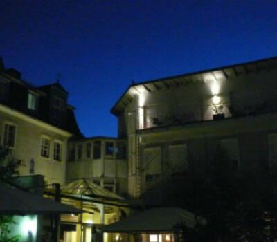 Beispiel: Außenansicht bei Nacht, Foto: Domicil LEIDINGER.
