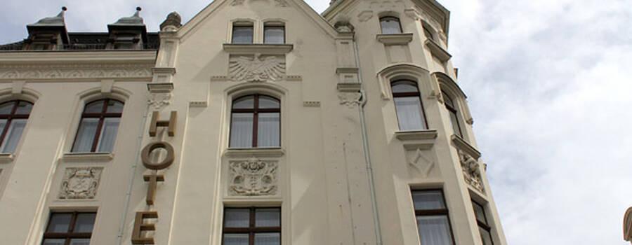Beispiel: Fassade, Foto: AKZENT Hotel Am Goldenden Strauss.