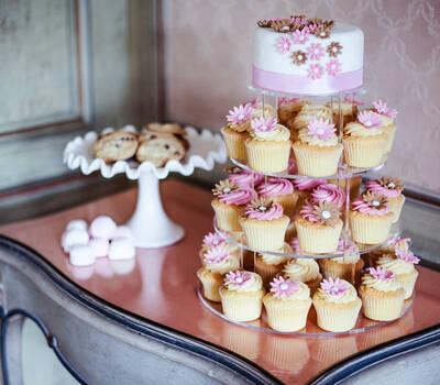Beispiel: Cupcake-Etageren, Foto: Cupcake Affair.