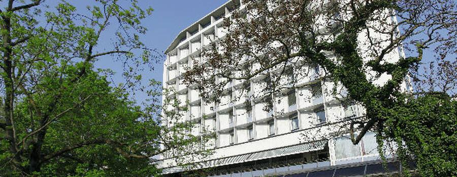 Beispiel: Außenansicht, Foto: Althoff Hotel am Schlosspark.