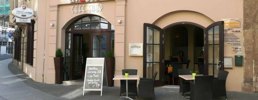 Beispiel: Außenansicht, Foto: Avecio Café.