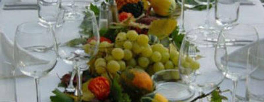 Beispiel: Hochzeitsgedeck, Foto: allincluded catering.