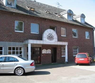 Beispiel: Vorderansicht, Foto: AKZENT Landhaus Heinen.