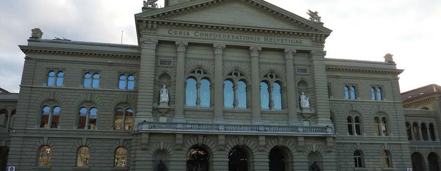 Unsere Limousinen auf dem Bundesplatz in Bern, Foto: CAPITAL-PHOTO.CH