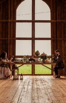 Первый и Единственный Свадебный Амбар в Петербурге. Вместимость до 300 персон.Загородный ресторан для свадьбы в Стрельне. -------------------------------------- Организатор Skazka Project  Фото Ирина Ежилова  Видео Wedgang  Декор