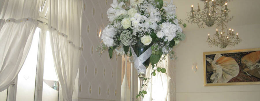 Beispiel: Pompöser Blumenstrauß, Foto: Blumen Hetzer.