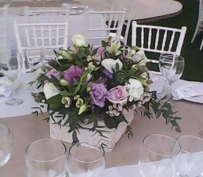 estilo vintage , las flores pueden ir del tono de su paleta de colores
