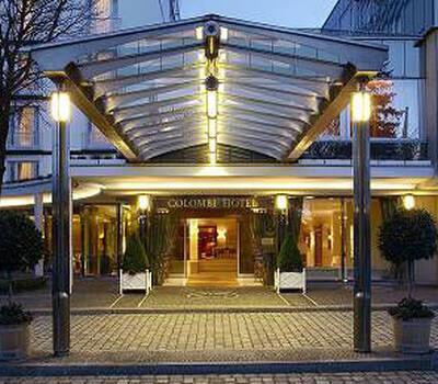 Beispiel: Außenansicht - Eingang, Foto: Colombi Hotel.