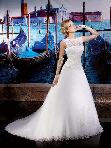 Abiti sposa 2013 Collector. Foto: www.thesposagroup.com