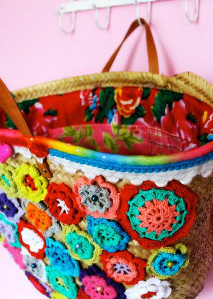 Kleurrijke strandtas voor op je huwelijsreis