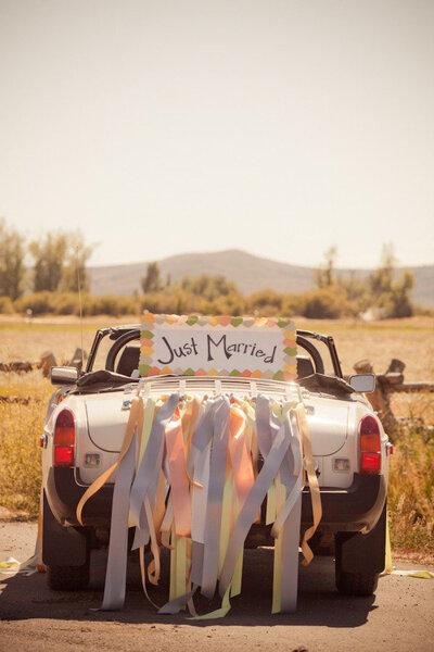 Decoration Voiture Mariage Vintage : Décoration de voiture pour un mariage vintage