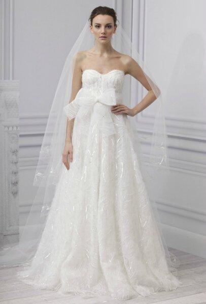 Abiti da sposa 2013 con fiocco.Monique Lhuillier Bridal Collection 2013. Foto www.moniquelhuillier.com