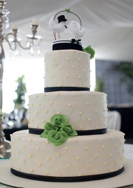Figuras para la torta de novios.