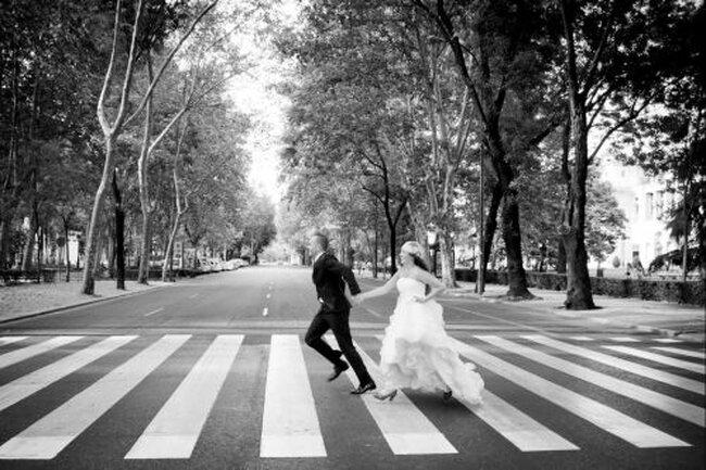 Masdos: fotos de boda creativas por Diego Balabasquer