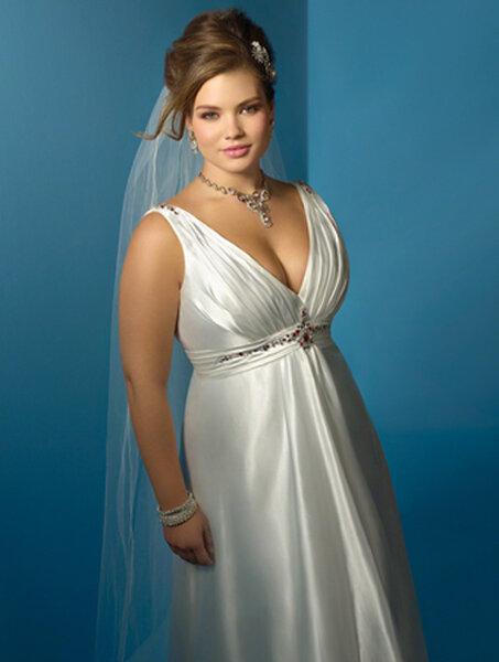 Vestido de noiva tamanho plus size. Foto: Alfred Angelo