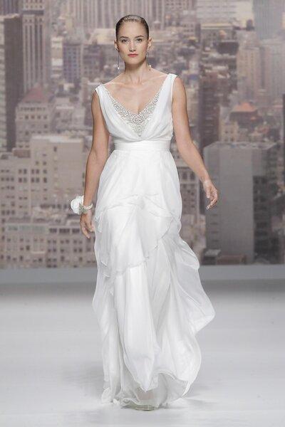 Vestidos de novia primavera 2015 de Rosa Clará