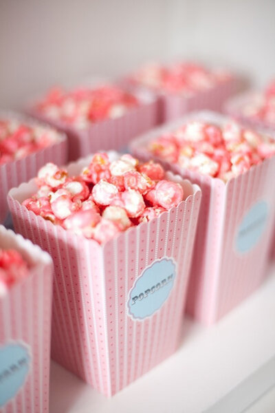 Pipocas cor-de-rosa.