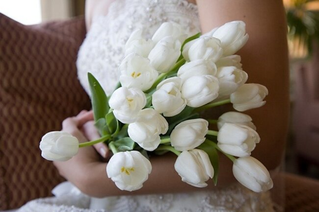 Ramo de novia con tulipanes blancos - Stella Alesi