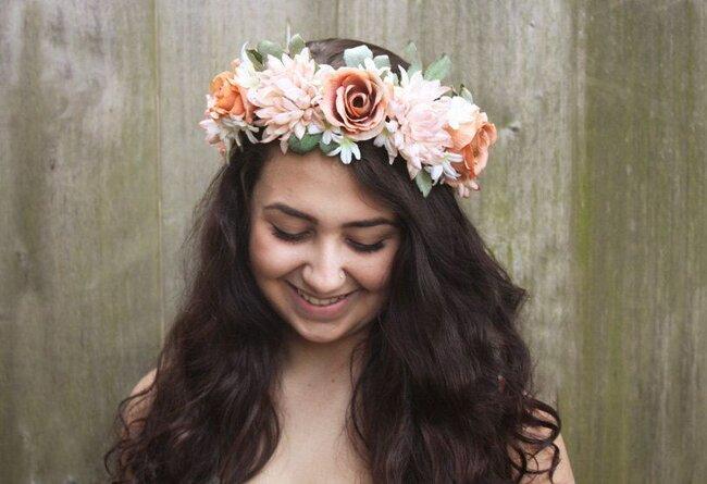 Coroas de fores para a noiva. Foto: Bloom Design Studio
