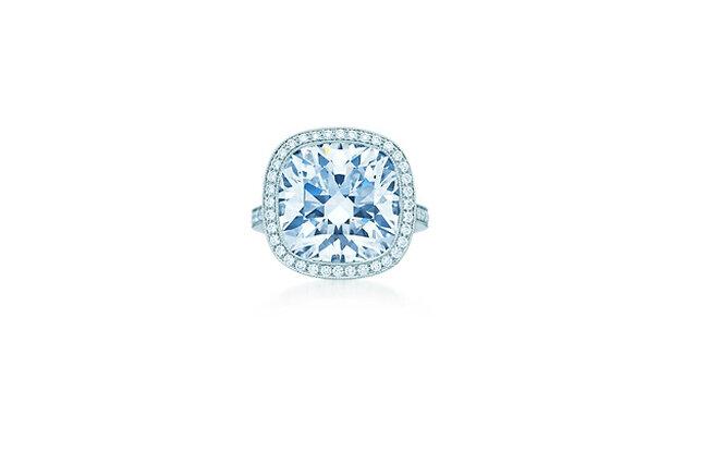 Der Katalog von Tiffany reicht von erschwinglichen Sücken bis hin zu Schmuckstücken, von denen man nur träumen kann - wie beispielsweise dieser Ring mit einem 11-karätigen Diamanten besetzt. Sein Preis: 1,5 Millionen Euro