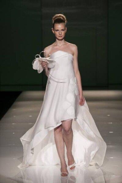 Vestido de noiva Tosca Spose 2013. Foto: Sì Sposaitalia Edizione 2012
