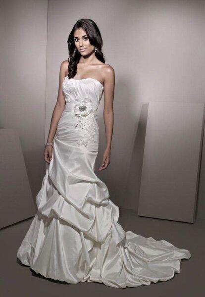 Suknia ślubna z kolekcji ELLA ROSA BRIDAL