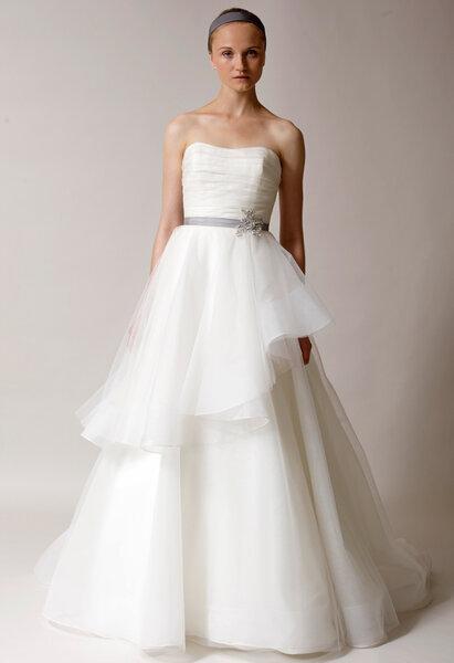 Suknia ślubna z kolekcji Alyne by Rita Vinieris 2014