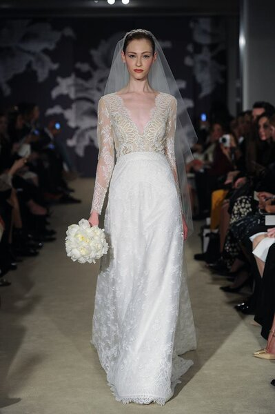 Suknia ślubna z kolekcji 2015 Carolina Herrera New York Bridal Week