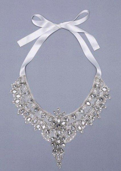 Joyas para novias gargantilla Anabella. Fotos: Desla Couture