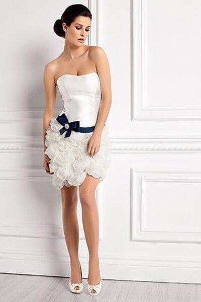 Krótka suknia ślubna z kolekcji Elizabeth Passion 2013