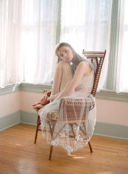 Bielizna ślubna Claire Pettibone, model Bellaire