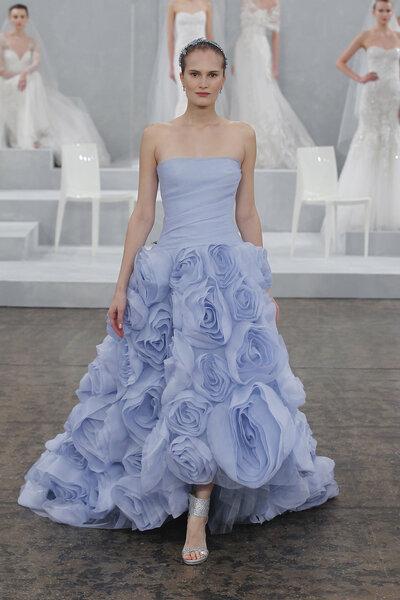 Ein Traum in Pastell. Dünne Bräute können bedenkenlos fulminante Brautkleider tragen!