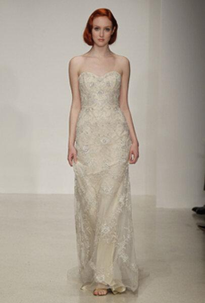 Suknia ślubna projektu KENNETH POOL 2013