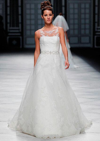 Antevisão da colecção de vestidos de noiva La Sposa 2013