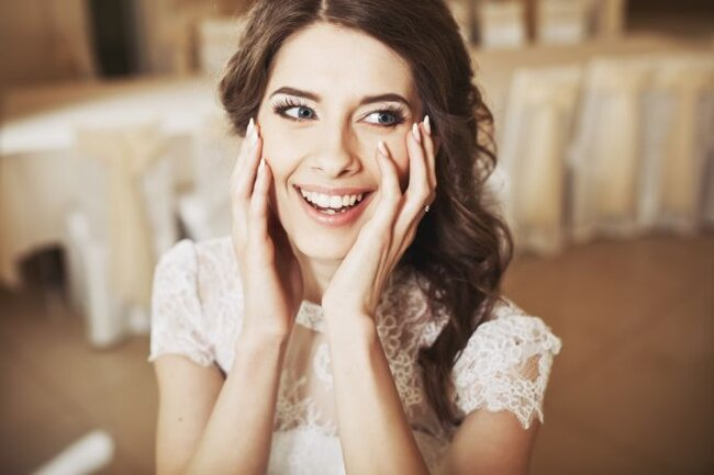 Scorri la carrellata e vota la tua sposa preferita - Foto via Shutterstock