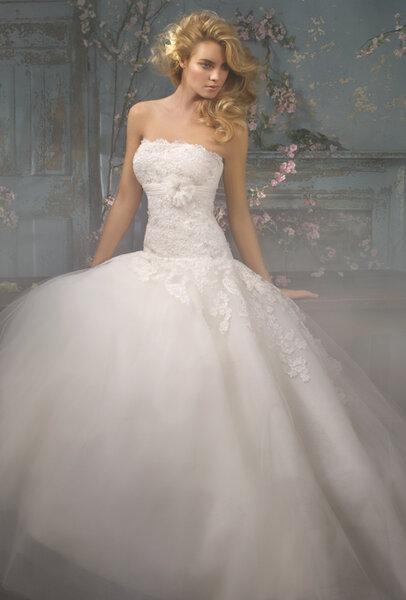 Suknia ślubna księżniczka z kolekcji: Alvina Valenta
