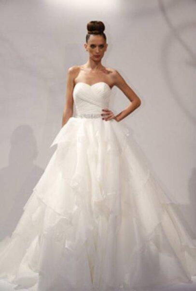 Vestido de noiva de Dennis Basso, coleção 2013. Foto: www.dennisbasso.com