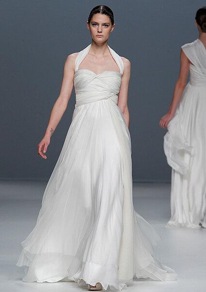 Brautkleid aus der Kollektion 2012 von Jesús del Pozo