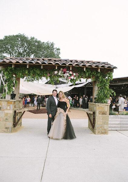 Una original boda boho chic en Texas con los colores más lindos - Foto Brooke Schwab