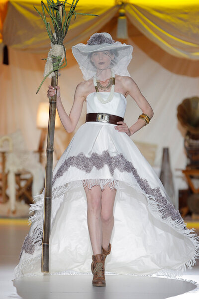 Colección Vestidos de novia Inmaculada García 2014. Foto: Barcelona Bridal Week / Ugo Cámara.