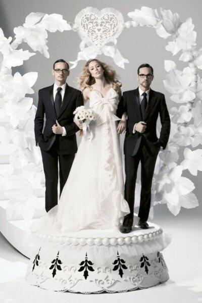 Imaginada por Viktor & Rolf para H&M na coleção lançada em novembro de 2006. Custava 900 Reais!