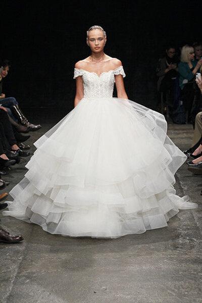 Lazaro 2013 Bridal Collection. Foto: www.jlmcouture.com/lazaro